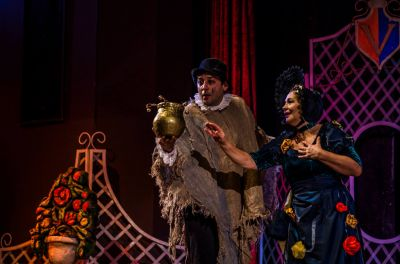 """В приказният свят на пиесата """"Принцесата и свинарят"""""""